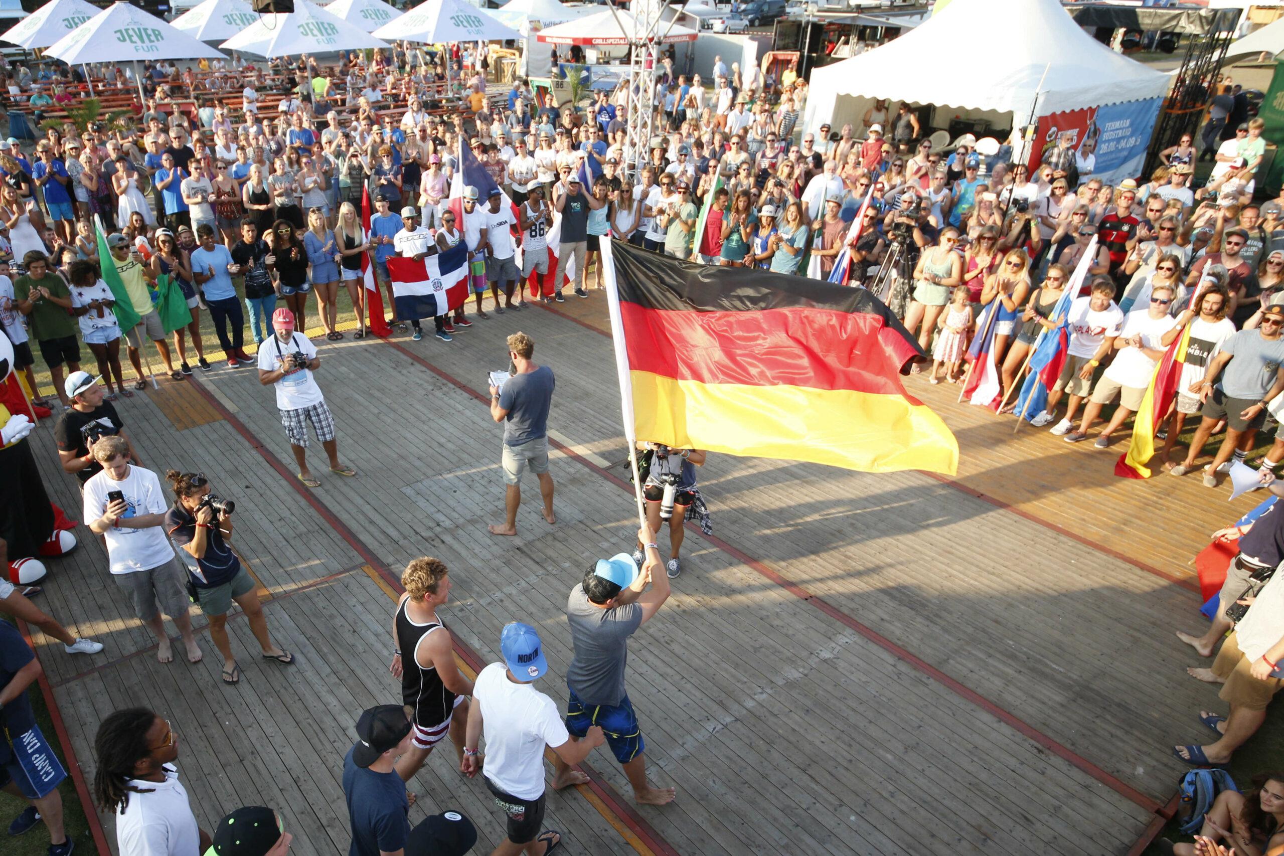 Pringles Kitesurf World Cup 2016, 26.08. - 04.09.2016, Eroeffnung Südstrand, Fehmarn. Photo: Joern Pollex/HochZwei